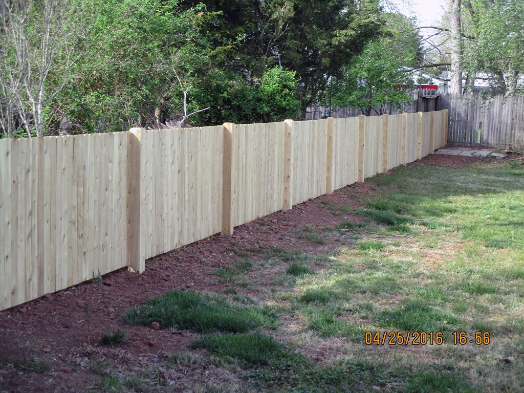 White Amp Red Cedar Fence Installation Wood Fence Design